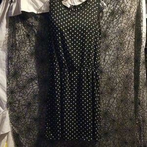 Versatile, easy breezy blk & white polka dot dress